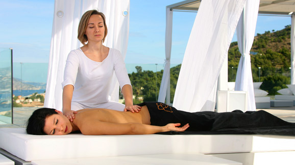 Outdoor Massage at SHA Wellness Clinic