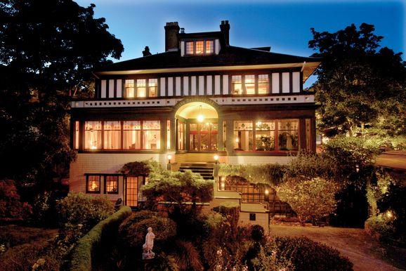 Beaconsfield Inn Victoria, British Columbia
