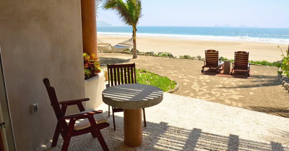 Las Palmas Beachfront Villas
