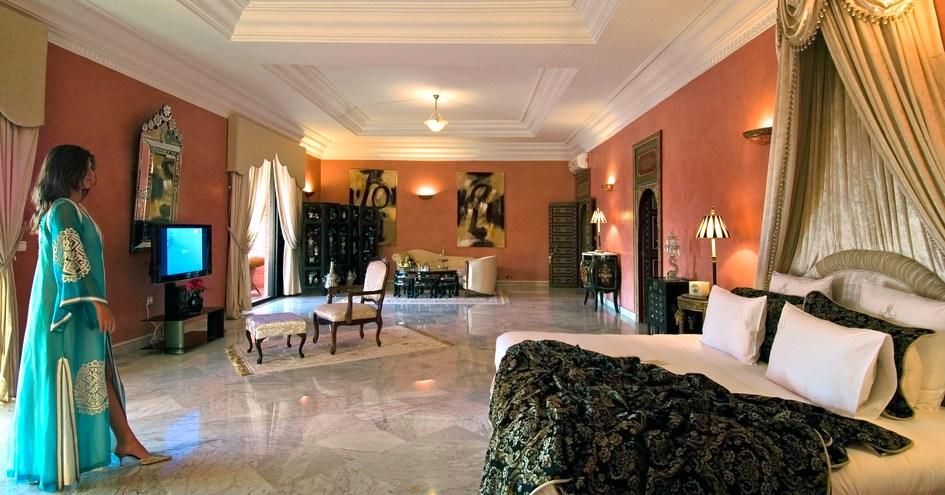 L Mansion