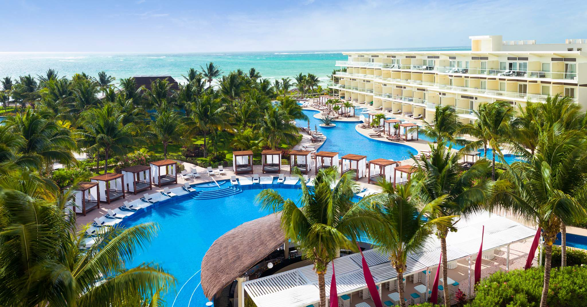 An offpeak rate for the same hotel, the Ritz-Carlton Cancun, on October via TravelSort's wholesale rates would end up saving you about 70%, just by going in fall, rather than winter break.