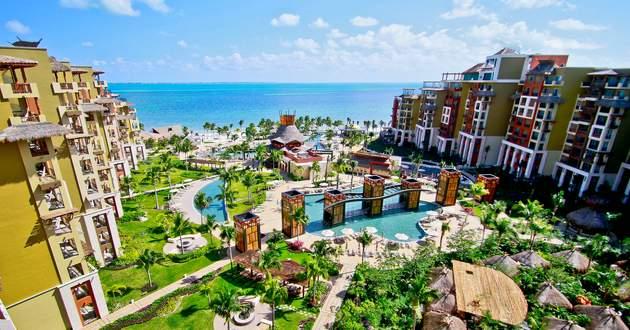 Luxury Residences by Villa del Palmar Cancun
