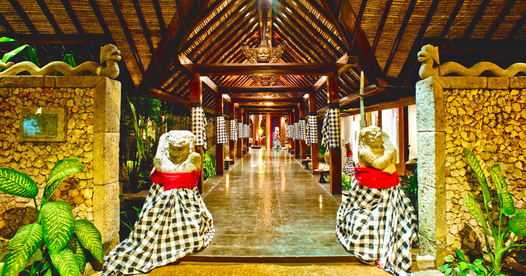 Hotel tugu bali 1 in bali indonesia for Five star hotels in bali indonesia
