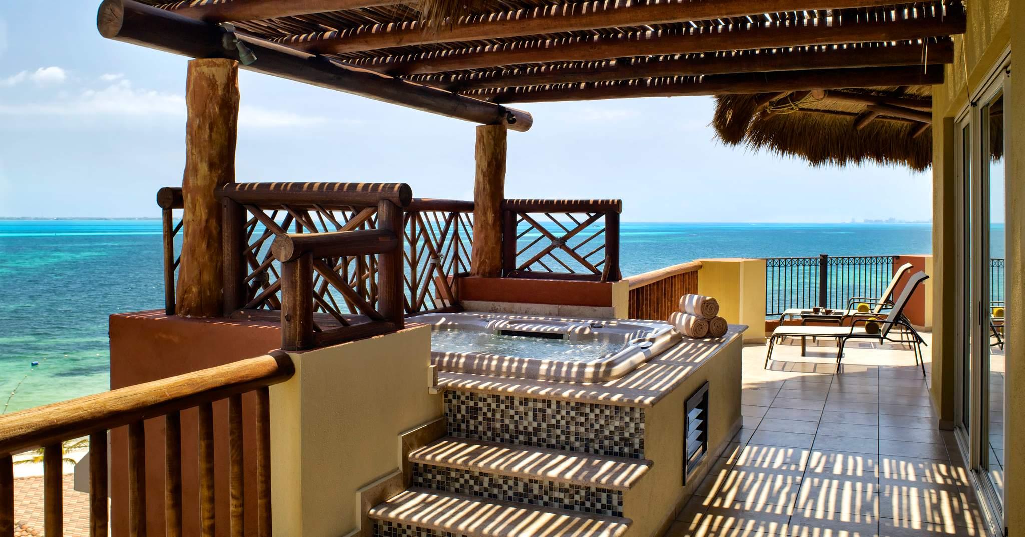 Villa Del Palmar Luxury Residences