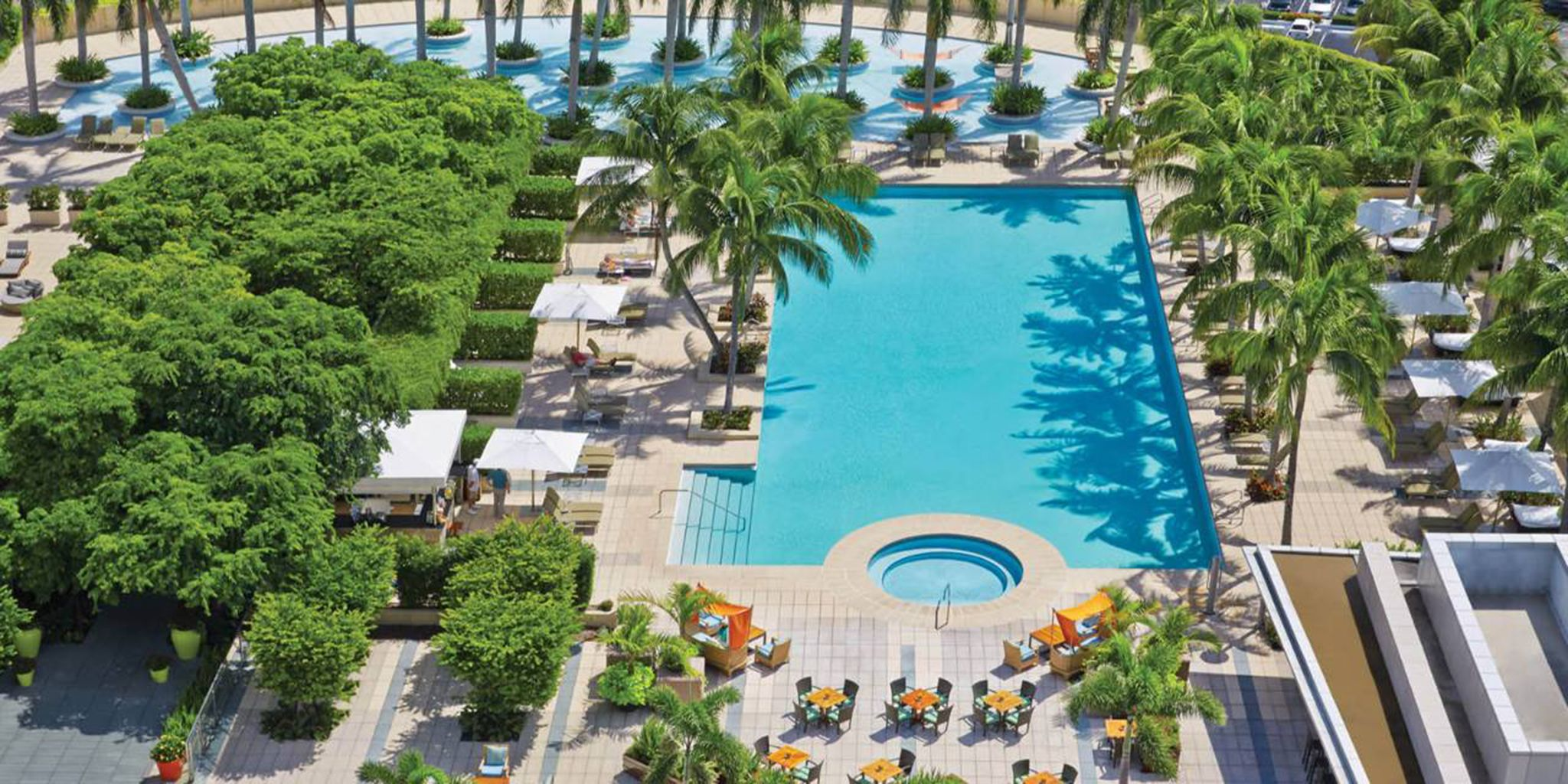 Four seasons hotel miami in miami florida for Pet friendly hotels in miami fl