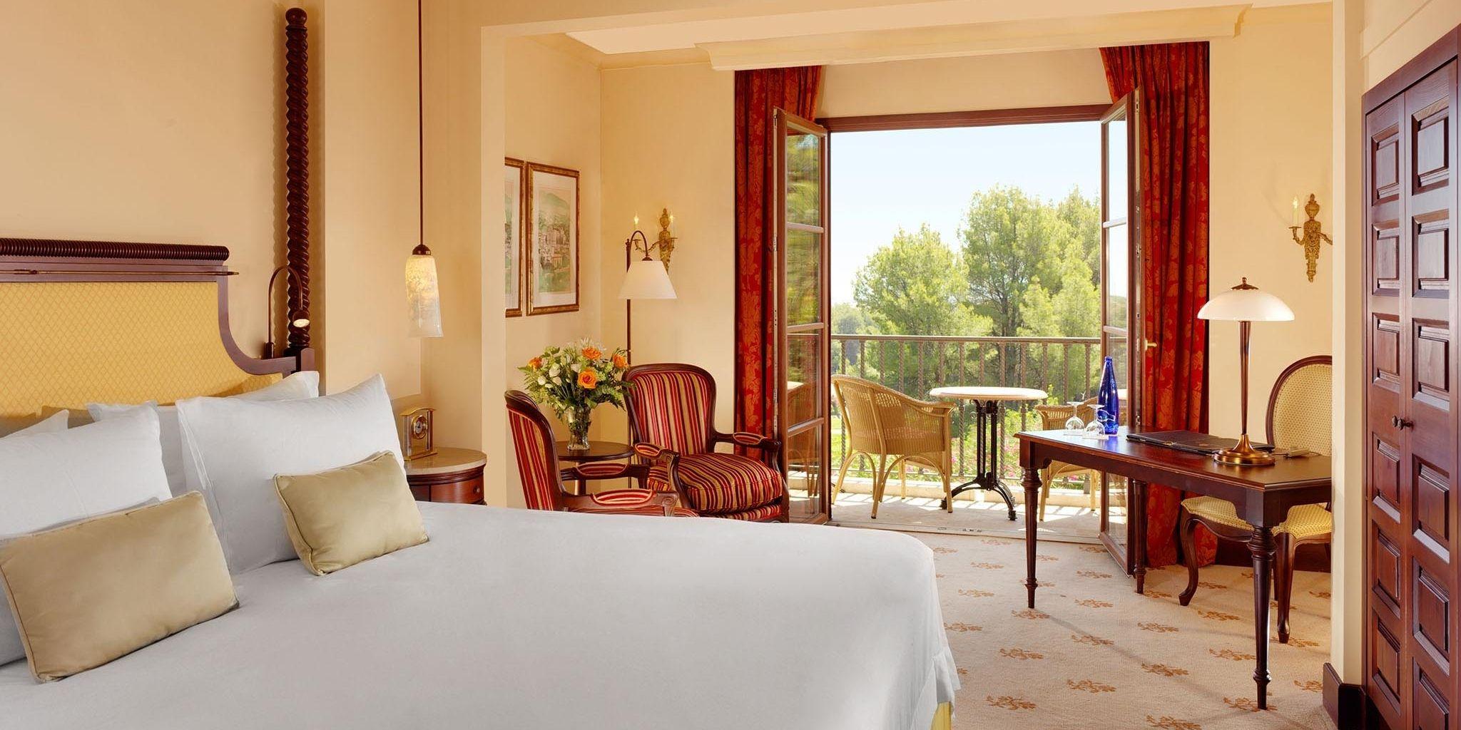 Castillo hotel son vida in palma de mallorca spain for Designer hotels mallorca