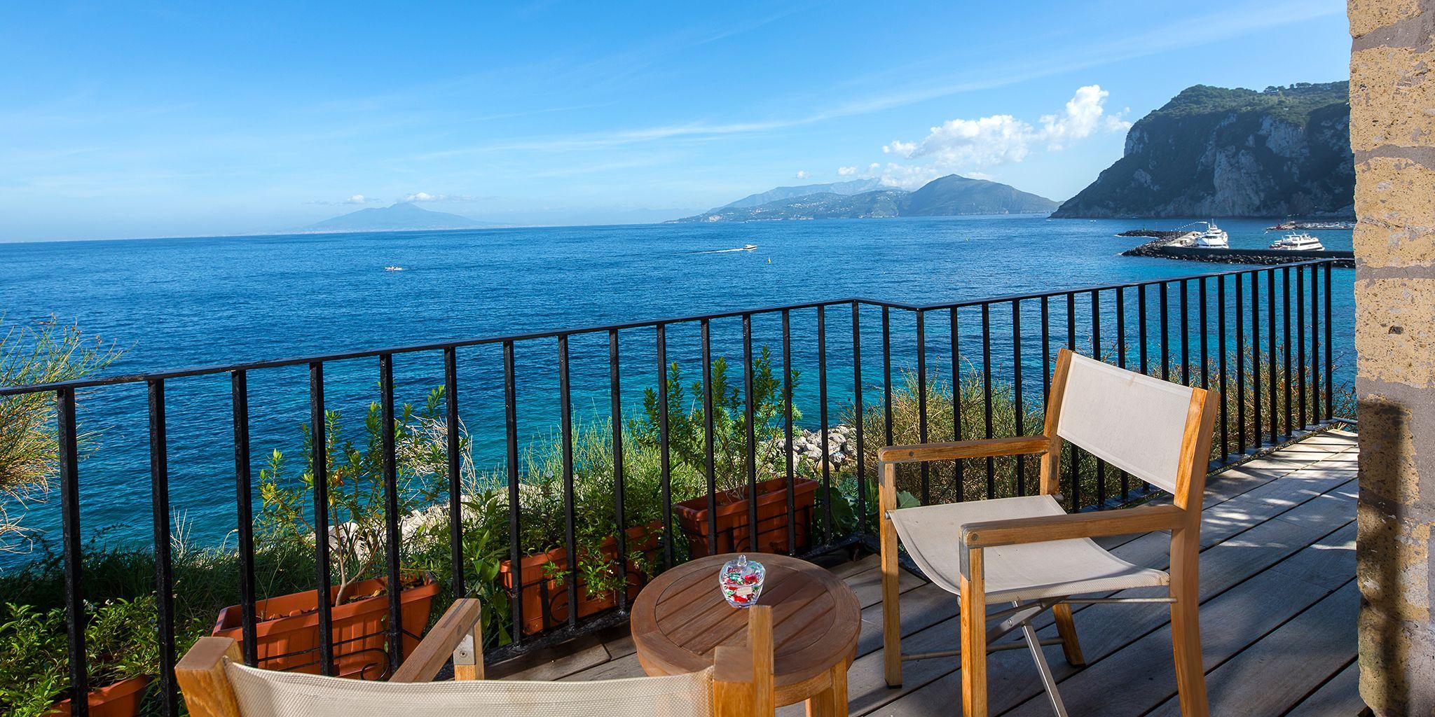The Beautiful Island of Capri Italy - eTravelTrips.com |Capri Italy Golf