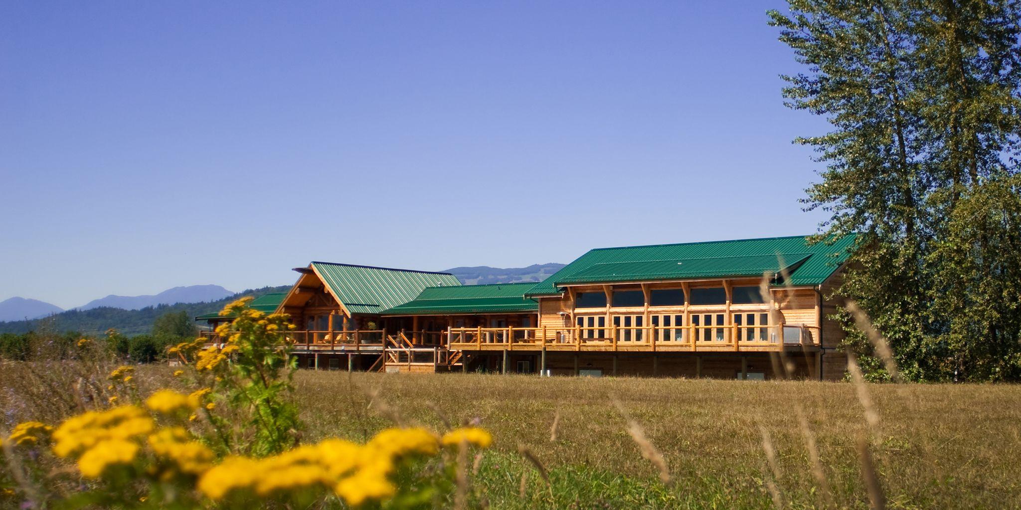 Fraser River Fishing Lodge & Resort