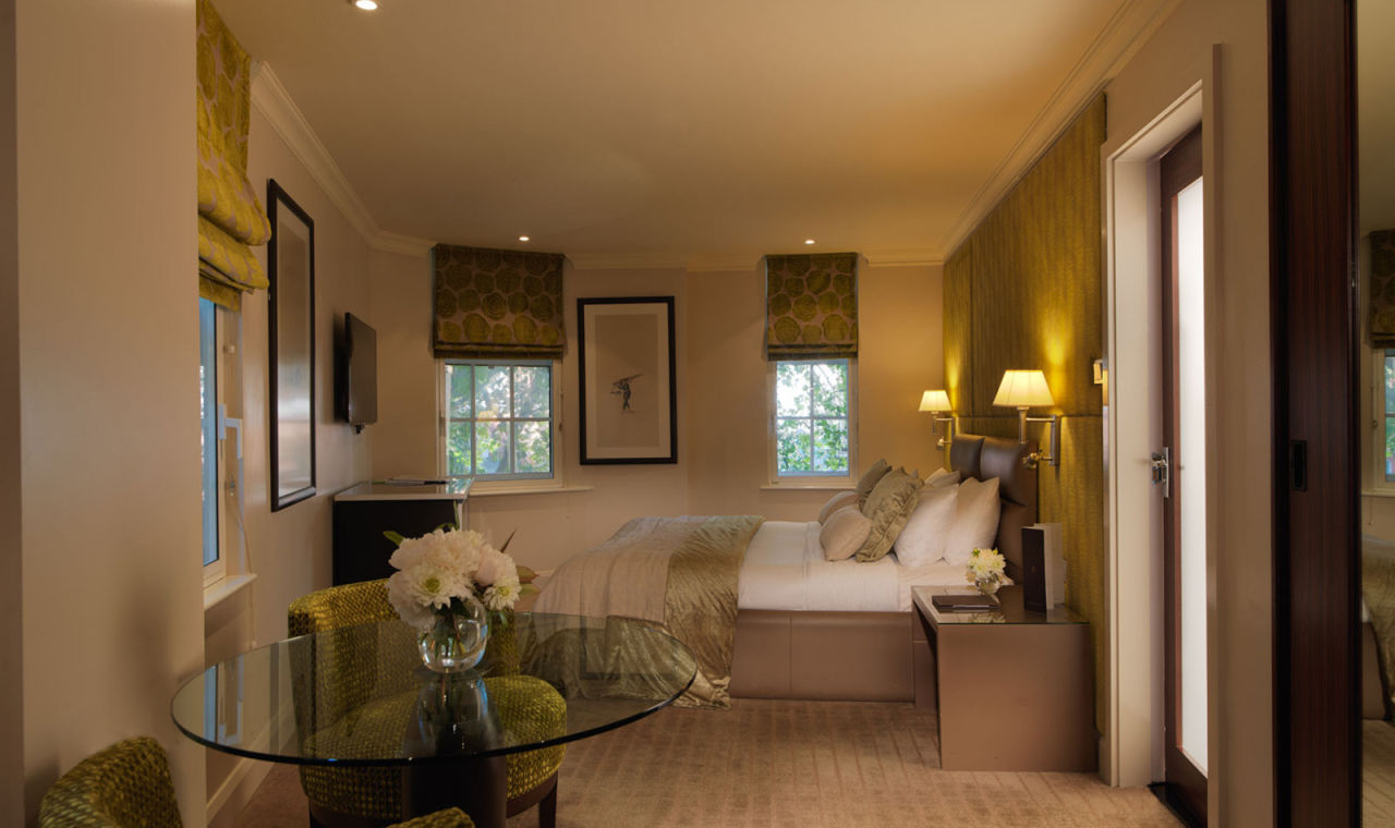 The may fair hotel in mayfair london for Maxim design hotel 3 star superior