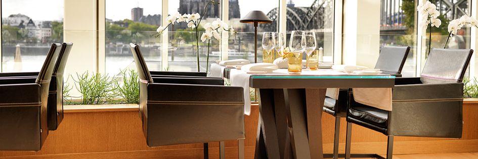 Hyatt regency cologne in koeln germany for Designer hotel koln