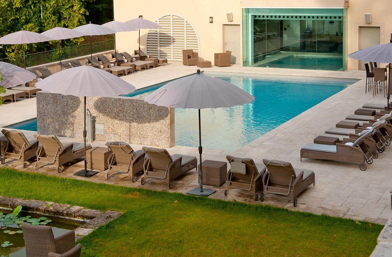 le couvent des minimes hotel spa in mane france. Black Bedroom Furniture Sets. Home Design Ideas