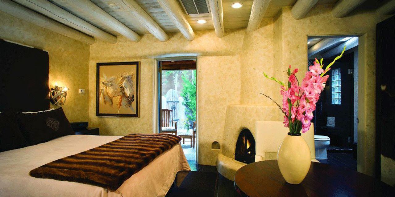 El Monte Sagrado Living Resort & Spa