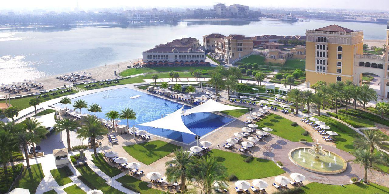 The Ritz-Carlton Abu Dhabi, Grand Canal