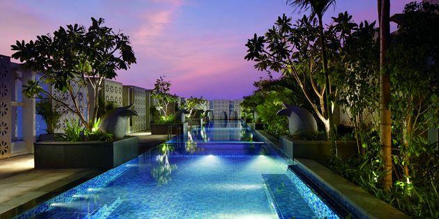 Bangalore india luxury hotels Ritz carlton bangalore swimming pool