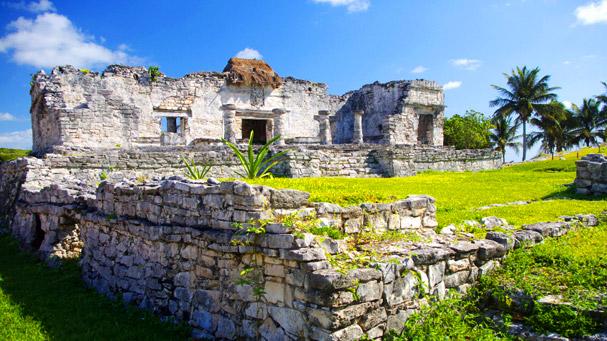 The ruins of a mayan palace