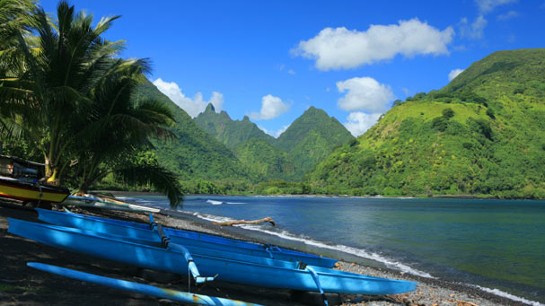 Tahitian outrigger canoe
