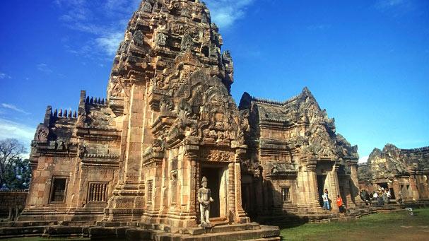 Phahnomrung Castle
